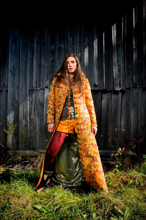Ruth Hecking. Damenbekleidung. – Fotografie: Martin Duerr